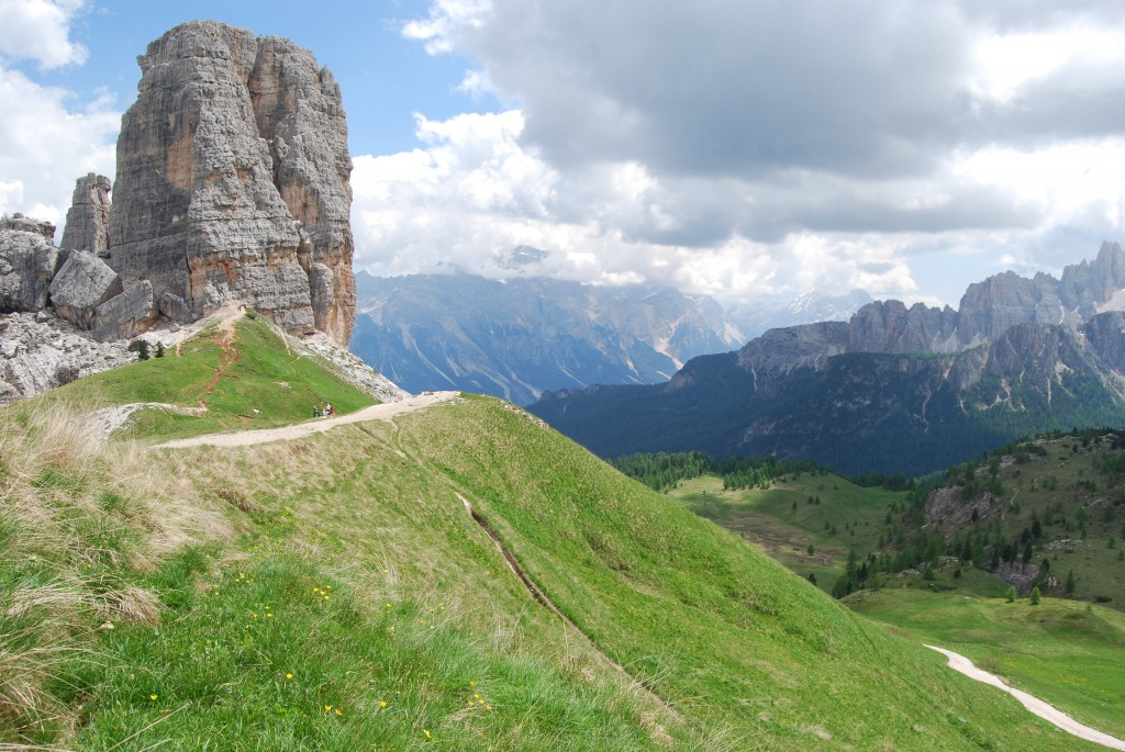 Italy the dramatic dolomites blog italy walking atg for Where are the dolomites located in italy