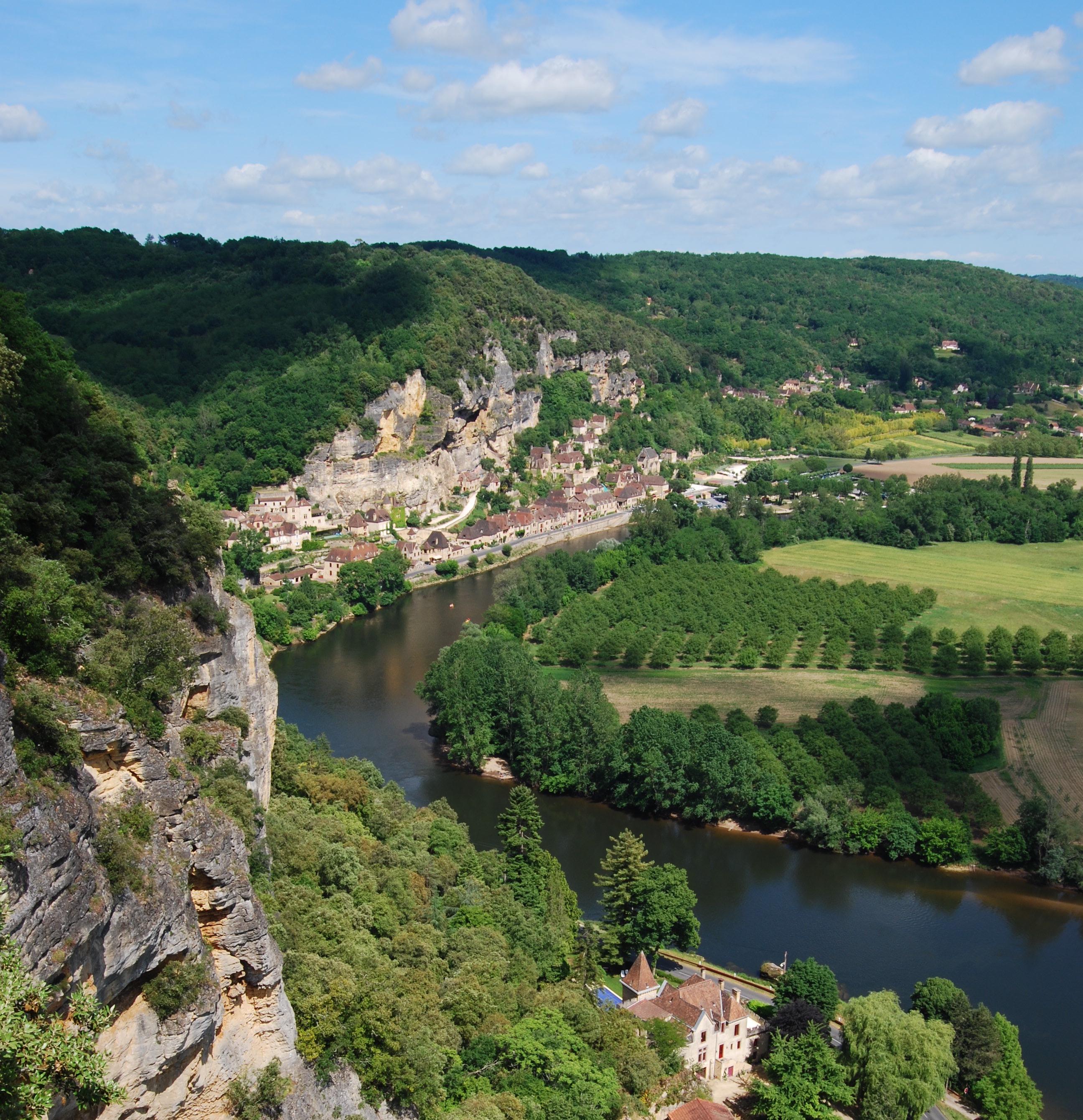 Treasure hunting in the Dordogne - ATG Oxford